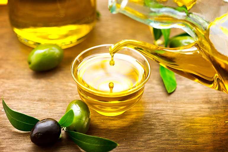 7 природных средств для сухих и потрескавшихся губ